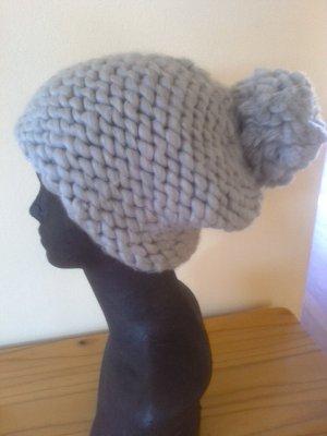 Cappellino grigio chiaro