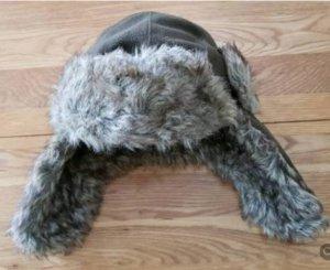 Gorra gris oscuro