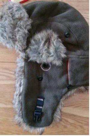 Casquette gris foncé