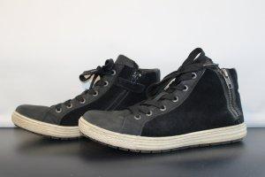 Winterschuhe im Sneakerstil