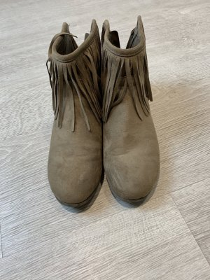 Korte laarzen beige