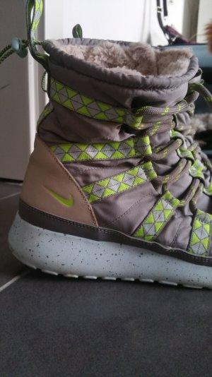 Winterstiefel von Nike Größe 39