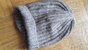 Woll-Beane-Mütze in einem grau-braun mit Glitzerfäden