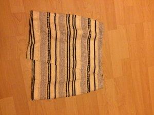 Woll-Wickelrock mit Streifenähnlichem Muster