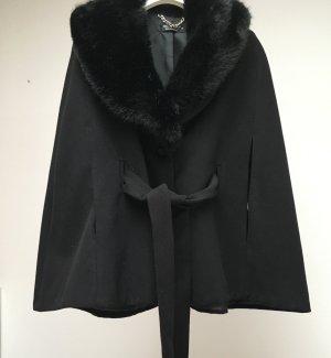 Wollcape mit abnehmbarem faux fur Kragen