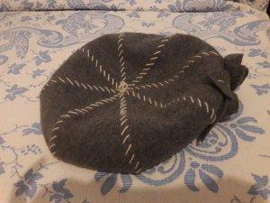 Sombrero de lana gris