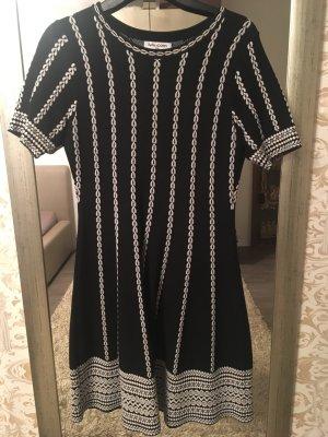 Vestido de lana negro-blanco