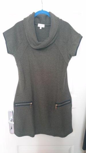 Apricot Woolen Dress black-olive green