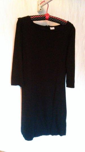 Wollkleid in schwarz mit schicken Ärmeln