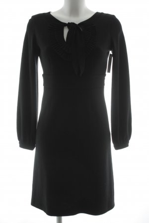 Vestido de lana negro estilo clásico