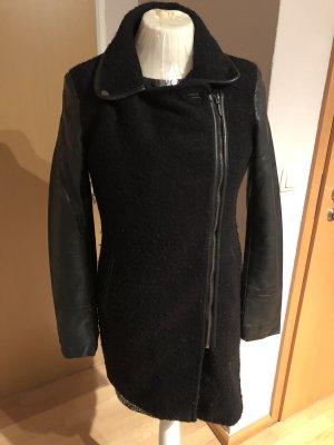 Abrigo corto negro Lana