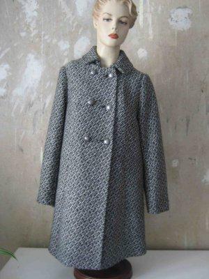 Wollmantel, leichte A-Form, zwei Knopfreihen, schwarz-weißes Muster