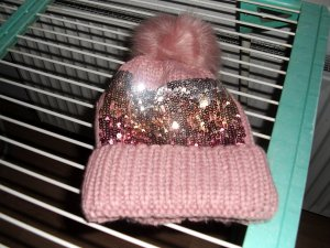 Chapeau en tricot rose laine mérinos