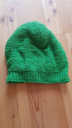 Sombrero de punto verde