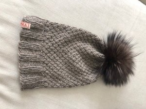 Chapeau en tricot gris brun laine