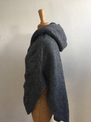 Basefield Poncho en tricot gris foncé