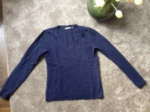 Wollpullover in blau mit V-Ausschnitt