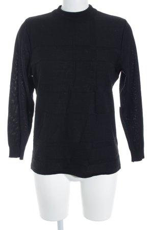 Jersey de lana negro look casual
