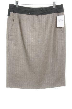 Falda de lana marrón raya diplomática estilo «business»
