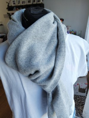 Benetton Woolen Scarf light grey