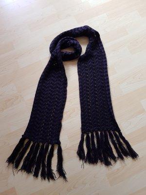 Wollschall in lila und schwarz