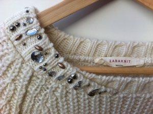 wollweißer Strickpullover von Zara mit Applikationen 36-38 Sale Christmas
