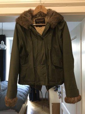 Woolrich Jacke grün mit Pelz Größe s