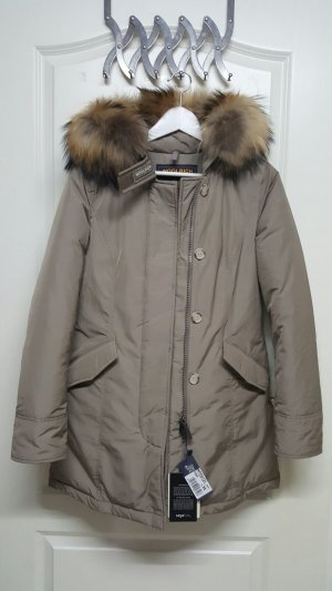 Woolrich Luxury Arctiy Parka in taupe