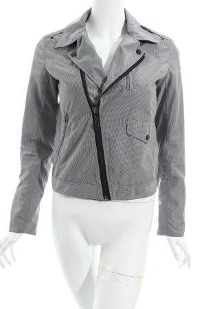 Woolrich Outdoorjacke weiß-schwarz Karomuster sportlicher Stil