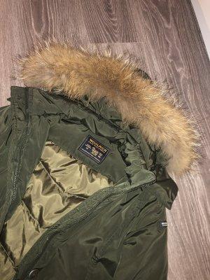 Woolrich Winterjacke in Khaki mit Echtfell