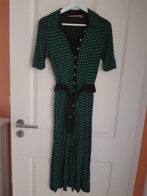 Wow-Kleid mit femininem Schnitt