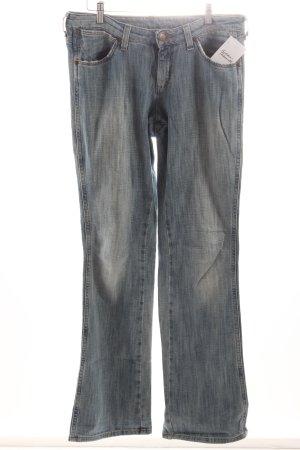 Wrangler Boot Cut Jeans hellblau Logo-Applikation aus Leder