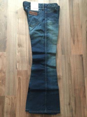 WRANGLER Jeans Betty Boot-Cut, W28 L30, NEU mit allen Etiketten!
