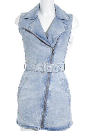 Wrangler Jeanskleid hellblau Street-Fashion-Look