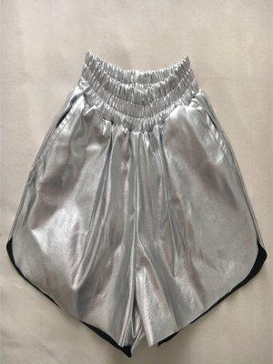 WRSTBHVR - Silberne Short
