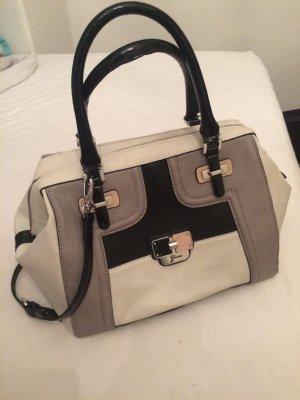 Wunderbar elegante Tasche von Guess