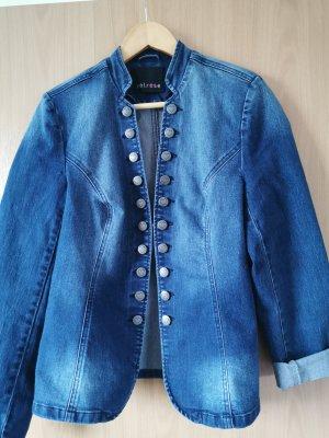 Wunderbare Jeans-Trachtenjacke von Melrose!