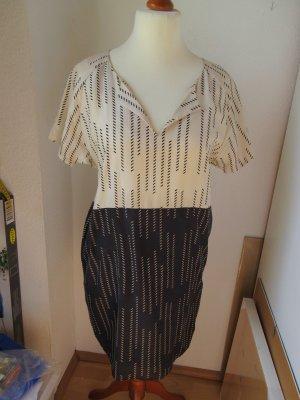 Wunderbares Seiden Kleid, Tunika mit grafischem Muster
