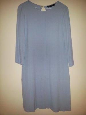 Wunderschӧnes himmelblaues Kleid von ZARA Pastell-Trend