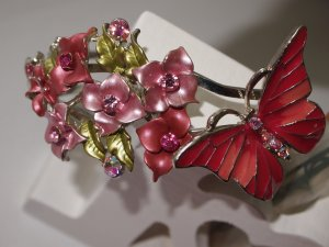 wunderschöne Armspange mit Schmetterling