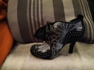 Wunderschöne besondere Schuhe für den besonderen Moment