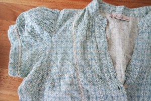 Wunderschöne Bluse mit tollen, aufwändigen Details