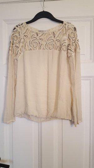 wunderschöne Bluse mit vielen Details