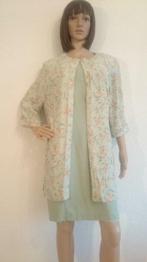 Wunderschöne Blusenjacke mit floralem Muster aus Viskose