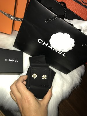 Chanel Clou d'oreille blanc cassé-vert clair