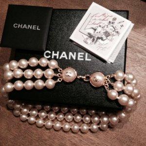 Wunderschöne CHANEL Perlenkette Collier dreireihig