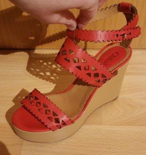 Wunderschöne Chloé Sandalen mit Lochmuster