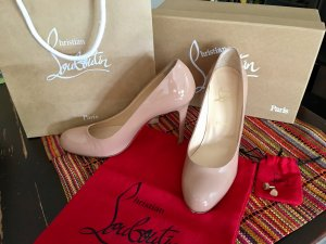 Wunderschöne Christian Louboutin Lackleder High heels, 10 cm