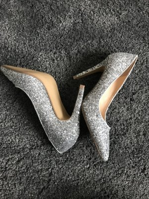 Wunderschöne elegante Schuhe mit Glitzer