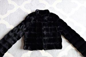 Wunderschöne Fake Fur Jacke von More&More